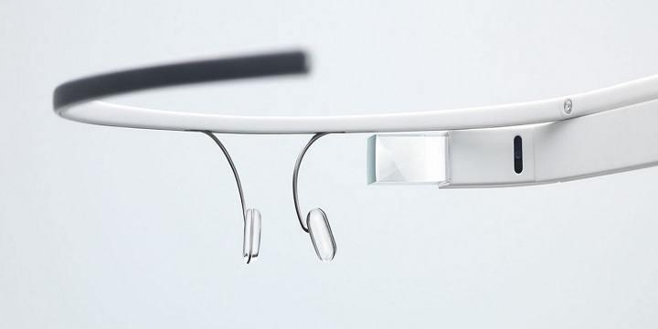 Google Glass is de nieuwste innovatie van Google en wordt nu al ingezet tijdens operaties en autorijden