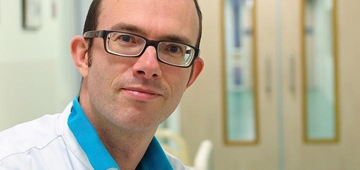 Als spoedeisend hulparts in het Deventer Ziekenhuis zet Michiel Tebbes zijn iPad in