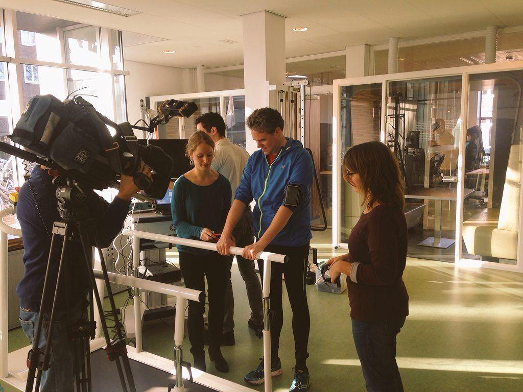 Onderzoekers Tryntsje Fokkema (r) en Thea Kooiman (l) van Hanzehogeschool Groningen